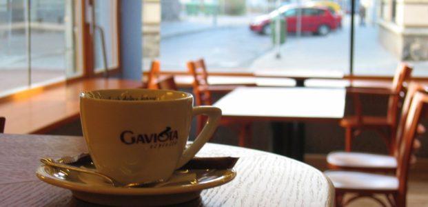 Klub a kavárna Atlantik   Ostrava   2004